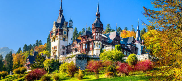 Transylvania and Wallachia Castles Tour from Brasov
