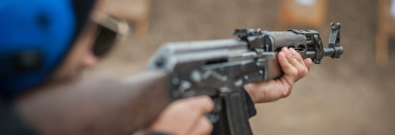 Stand de tirs avec des armes russes