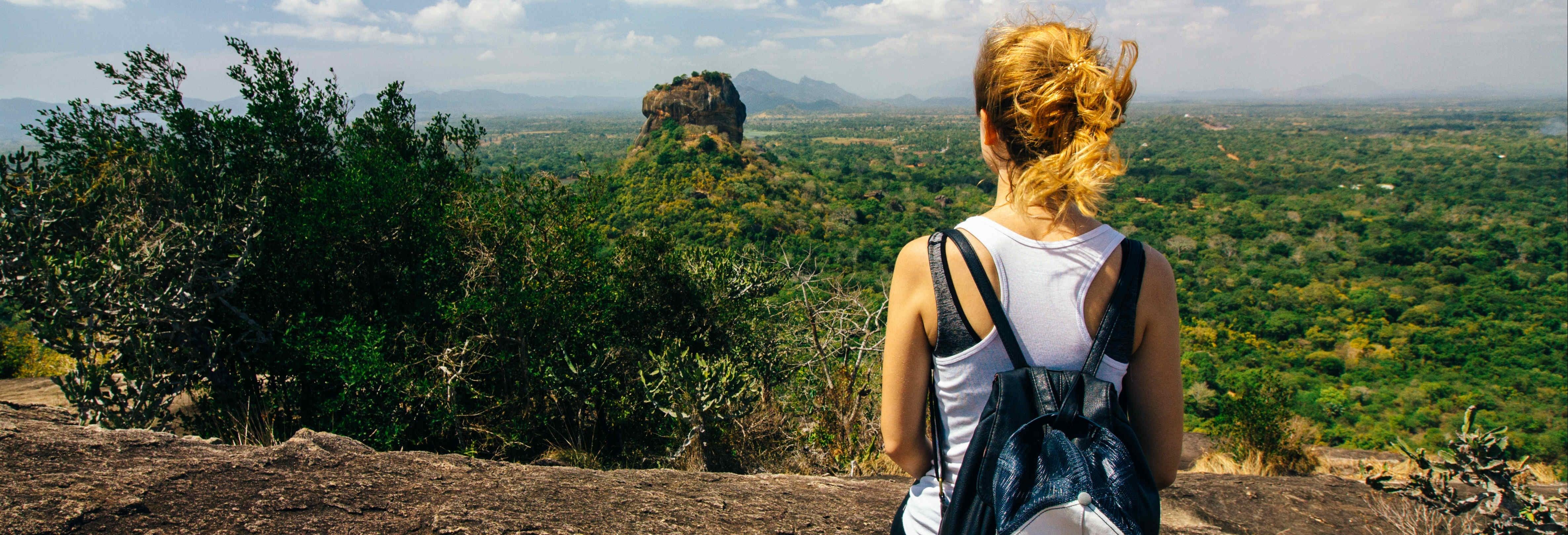 Visite privée à Pidurangala et Hiriwaduna
