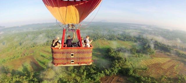 Giro in mongolfiera a Sigiriya