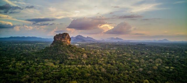 Tour privado por Sigiriya y Hiriwadunna
