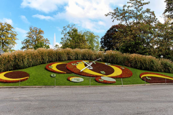 The flower clock in the English Garden