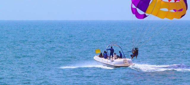 Aventura aquática na Baía de Pattaya