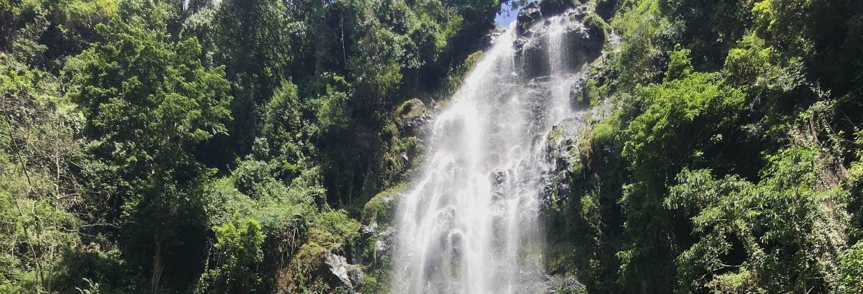 Excursão às cascatas de Materuni