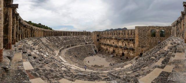 Excursión a Aspendos, Perge y cascada de Manavgat
