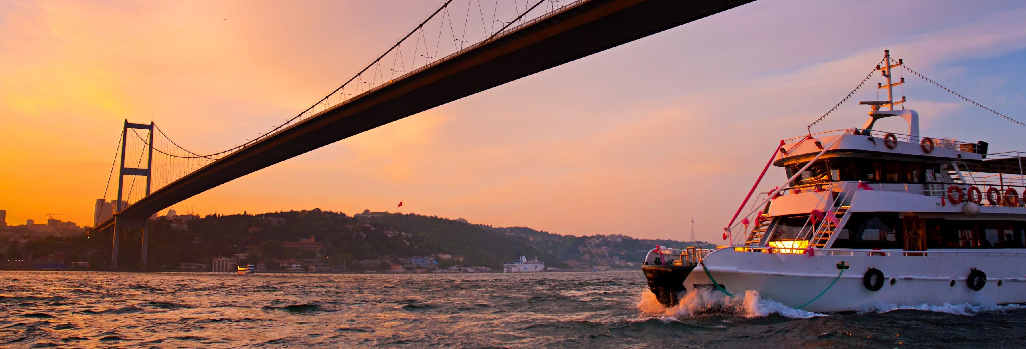 Crucero por el Bósforo al atardecer