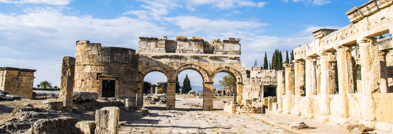 Excursão a Hierápolis e Pamukkale de avião
