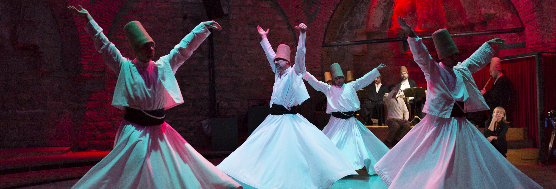 Cena con espectáculo folclórico en Marmaris