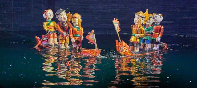 Paseo en cyclo + Espectáculo nocturno de marionetas acuáticas