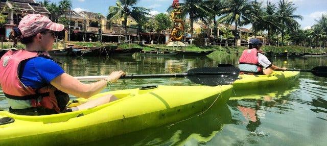 Tour en kayak por el río Thu Bon