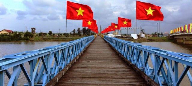 Excursion dans la zone vietnamienne démilitarisée