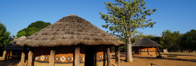 Visite d'un village traditionnel du Zimbabwe